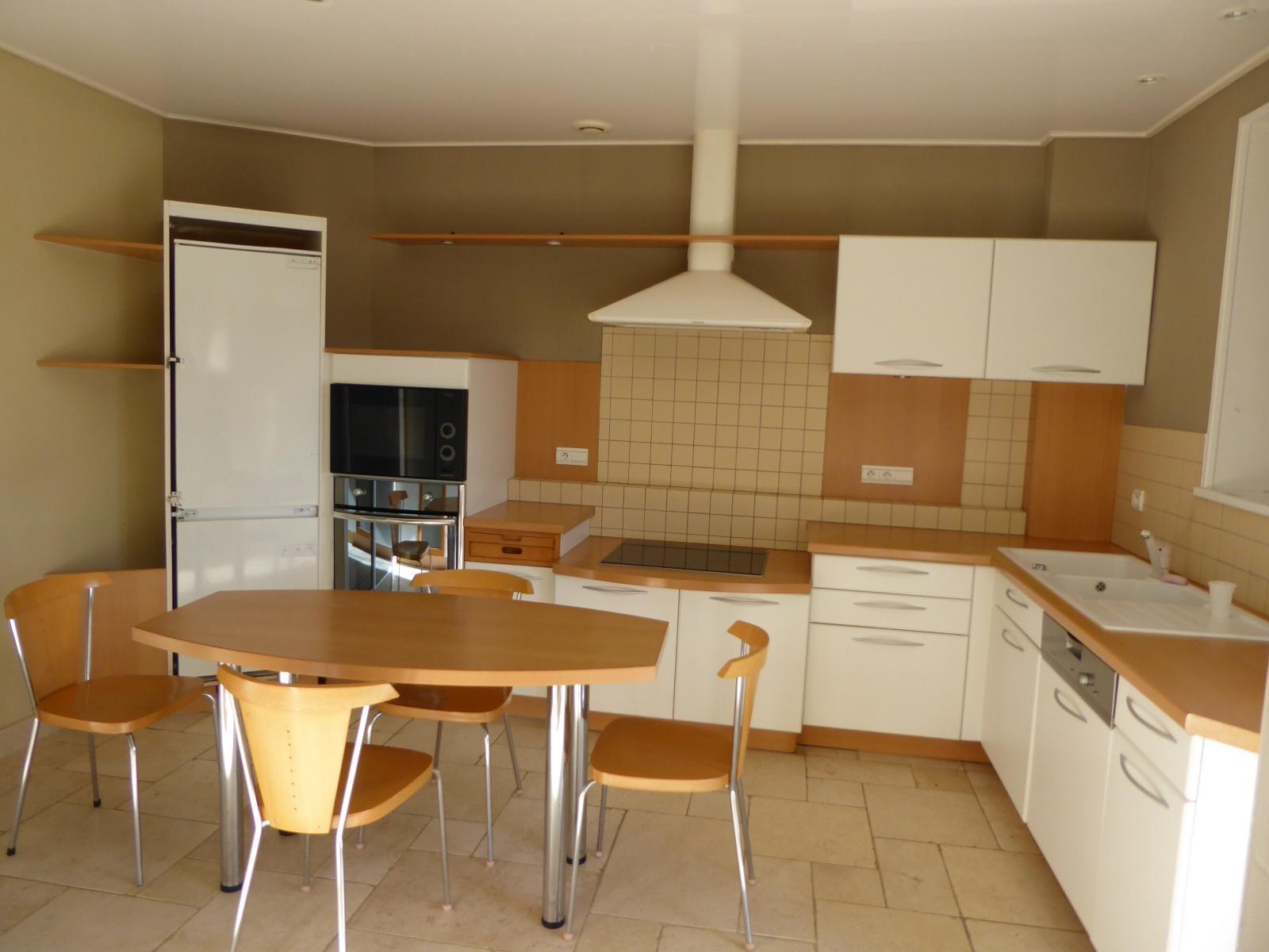 Cuisine indépendante équipée de 14 m²