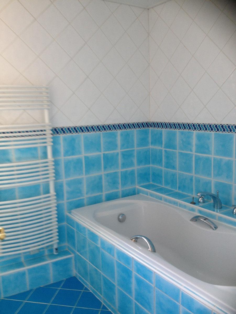Salle de bains au rez-de-chaussée de 6 m².