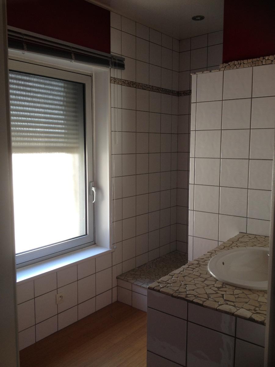 Salle de douche à l'italienne au rez-de-chaussée, de 5 m².